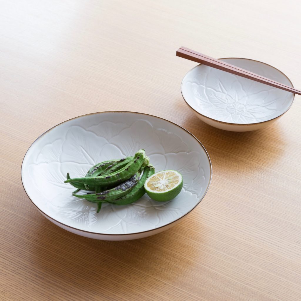 Jicon Curved Flower Dish