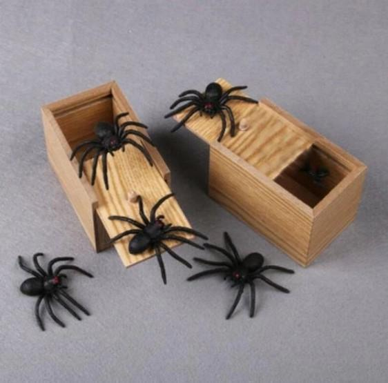 Prank Scare Spider (Halloween's Best Prank-Factory Outlet 50% OFF Today)