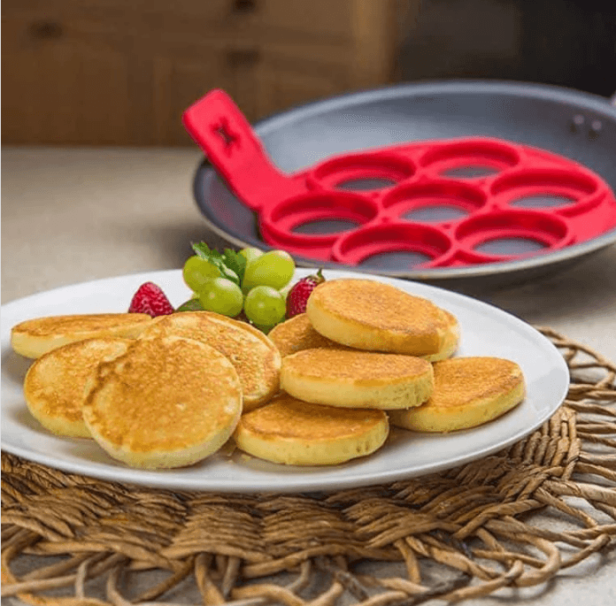 Easy Pancakes & Eggs Cooker