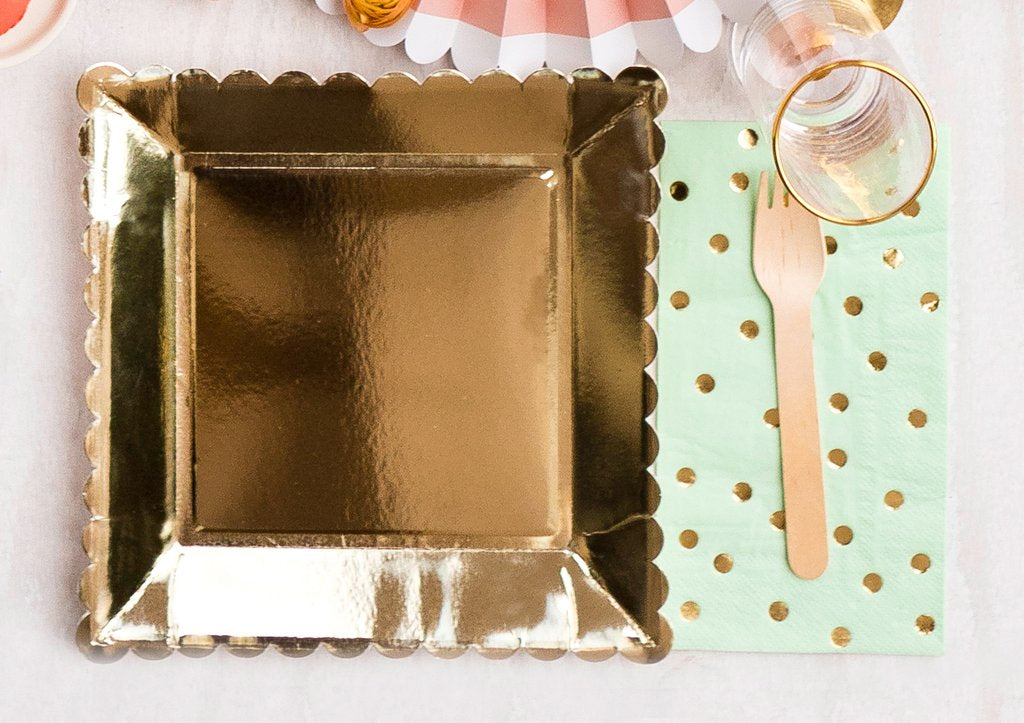 Basic Gold Scalloped Plate