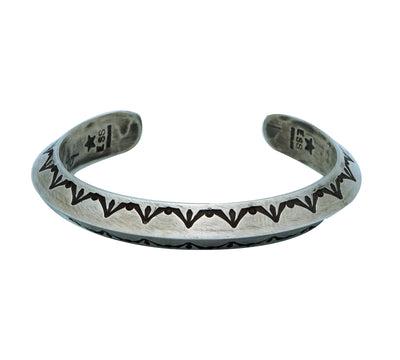 Load image into Gallery viewer, Edison Sandy Smith, Bracelet, Stamped Triangle Wire, Navajo Handmade, 6 3/8