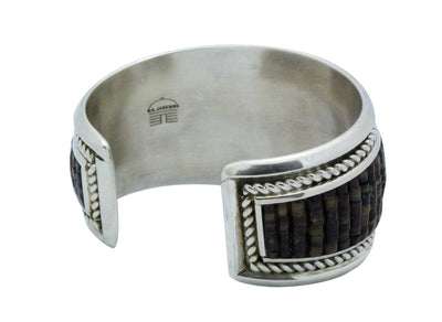 Load image into Gallery viewer, Dan Jackson, Bracelet, Olive Shell Heishe, Sterling Silver, Navajo Handmade, 6 1/2