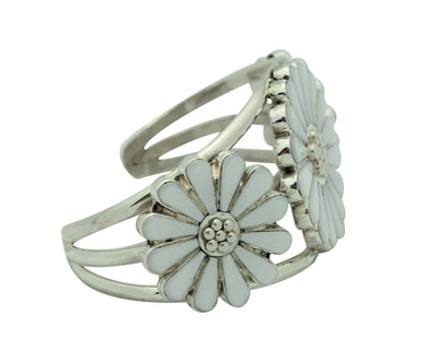 Load image into Gallery viewer, JJ Beyuka, Bracelet, Flower Blossom, Mother of Pearl Shell, Zuni Handmade, 6.25