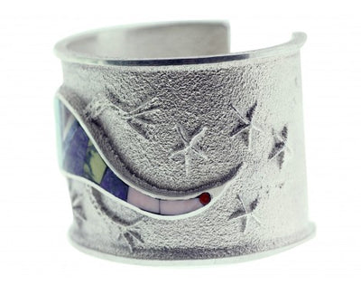 Load image into Gallery viewer, Monty Claw, Tufa Cast Bracelet, Desert Lizard Design, Navajo Handmade