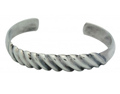 Load image into Gallery viewer, Carole, Wilson Begay, Bracelet, Sterling Silver, Narrow, Navajo Handmade, 6.25in