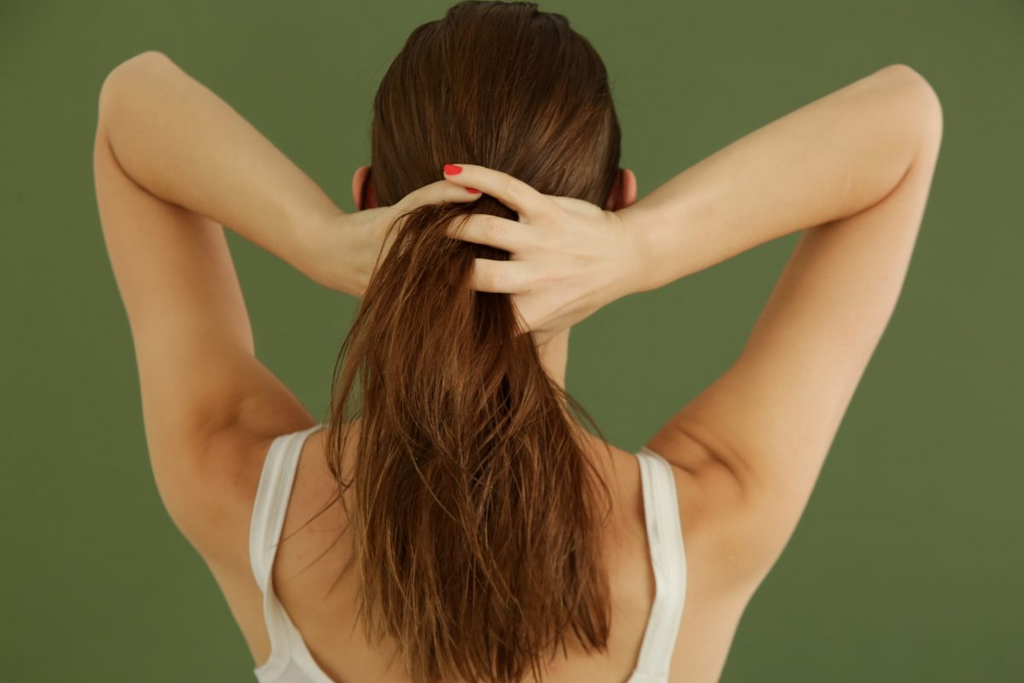 How To Manage Your Hair In The Humid Weather