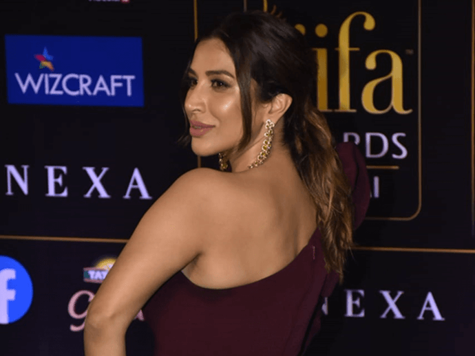 Celebrity Hairdos From IIFA 2019 That You'll Love