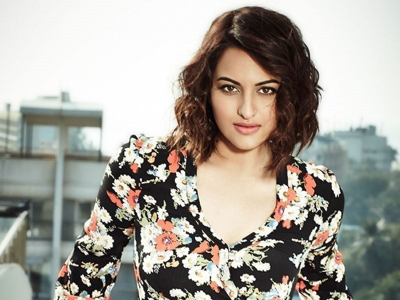 Sonakshi Sinha Short Hair