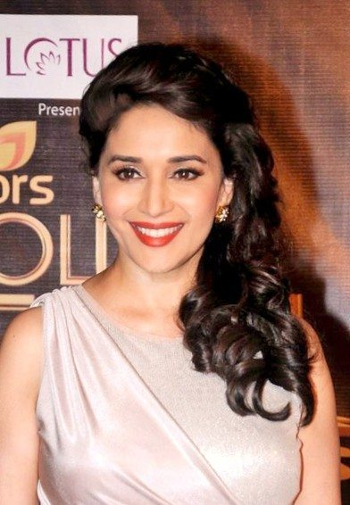 madhuri dixit hairstyle look