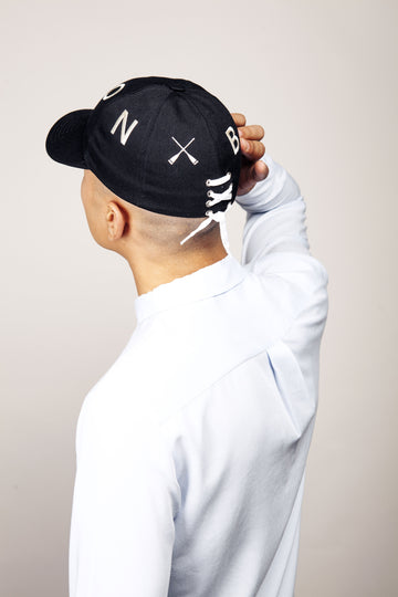 CITY CAP CURVED VISOR BLACK & WHITE LETTER