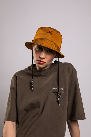 BUCKET HAT BROWN CAMEL NYLON BOMBER
