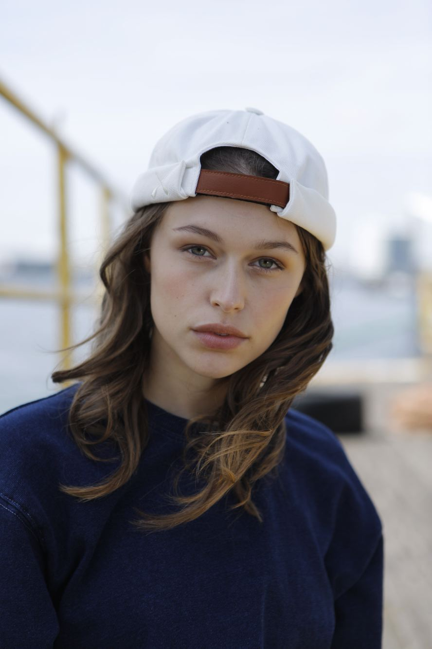 MIKI DOCKER BEANIE WHITE DENIM