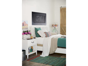 Spaces - Avery Complete Queen Bed