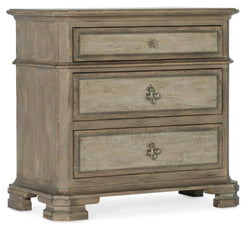 Alfresco Palmieri Three-Drawer Nightstand