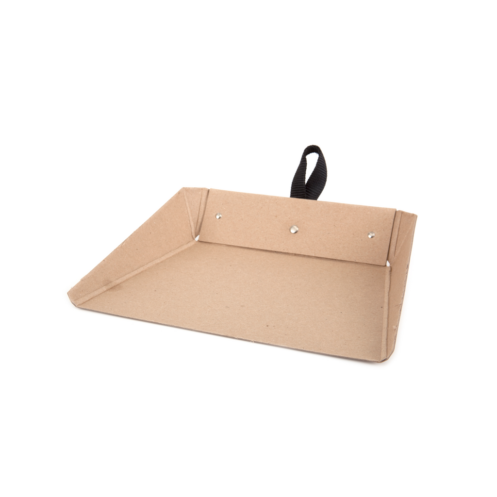 Iris Hantverk Scandinavian Skandi design cardboard dustpan home cleaning