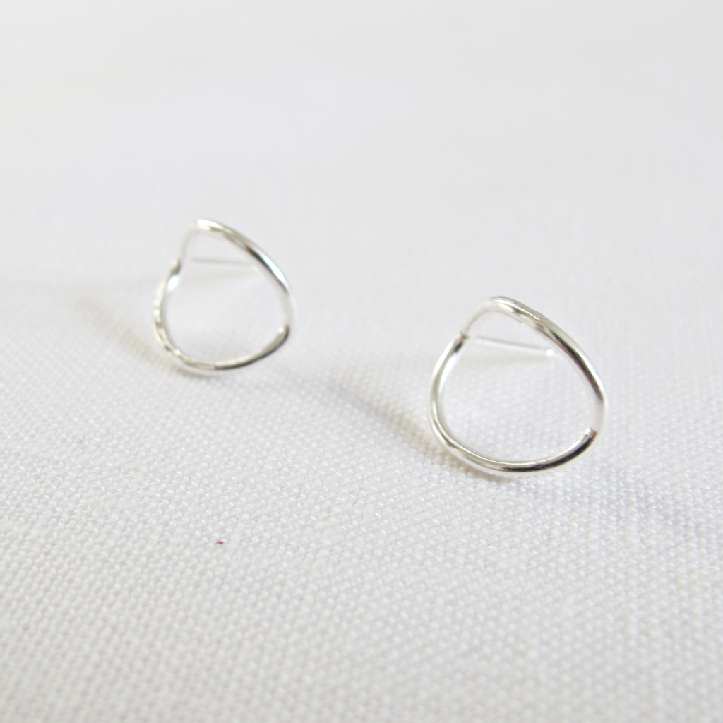 curved wrap stud recycled silver hand made minimalist earrings ethical sustianable jewellery