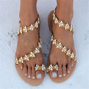 Lovely Gypsophila Paniculata Faux Jewels Beach Sandal