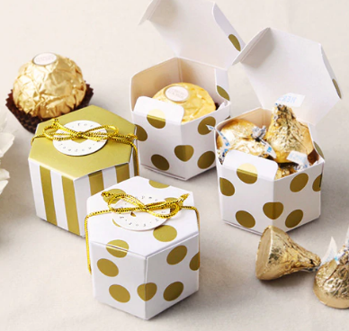 Gold spot mini gift boxes