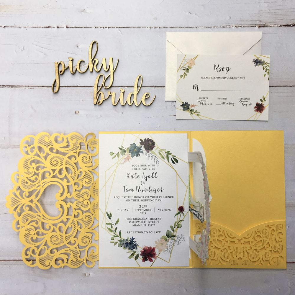 How to make a perfect wedding invitation card to wow your guests