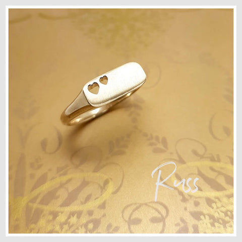 Russ Studios 9ct Gold Rectangle Hearts Signet Ring