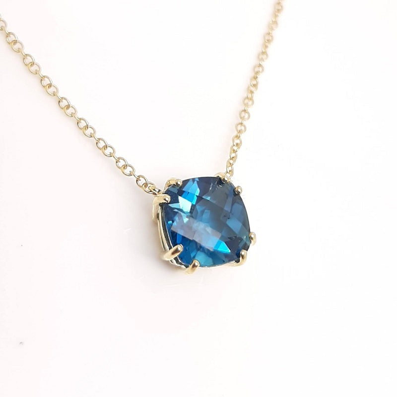 9ct Gold London Blue Topaz Necklace