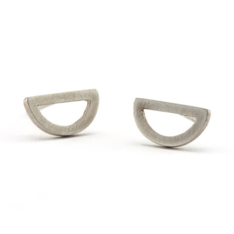 Outline Half Circle Studs | Silver