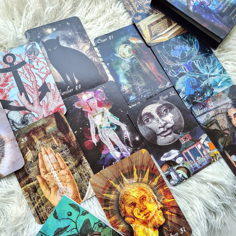 The Lunar Nomad Oracle -  CARDS TO UNLOCK YOUR CREATIVITY AND AWAKEN YOUR INTUITION