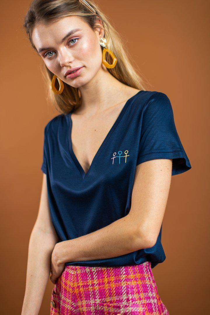 Be A Girl Next Door - T-Shirt - Blau-T-Shirts-Sister Laela-M-jesango - Fair Fashion nachhaltige Mode Fairtrade jesango