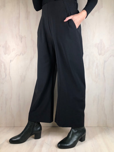 Juna Origami Trousers - Black Wool/Spandex