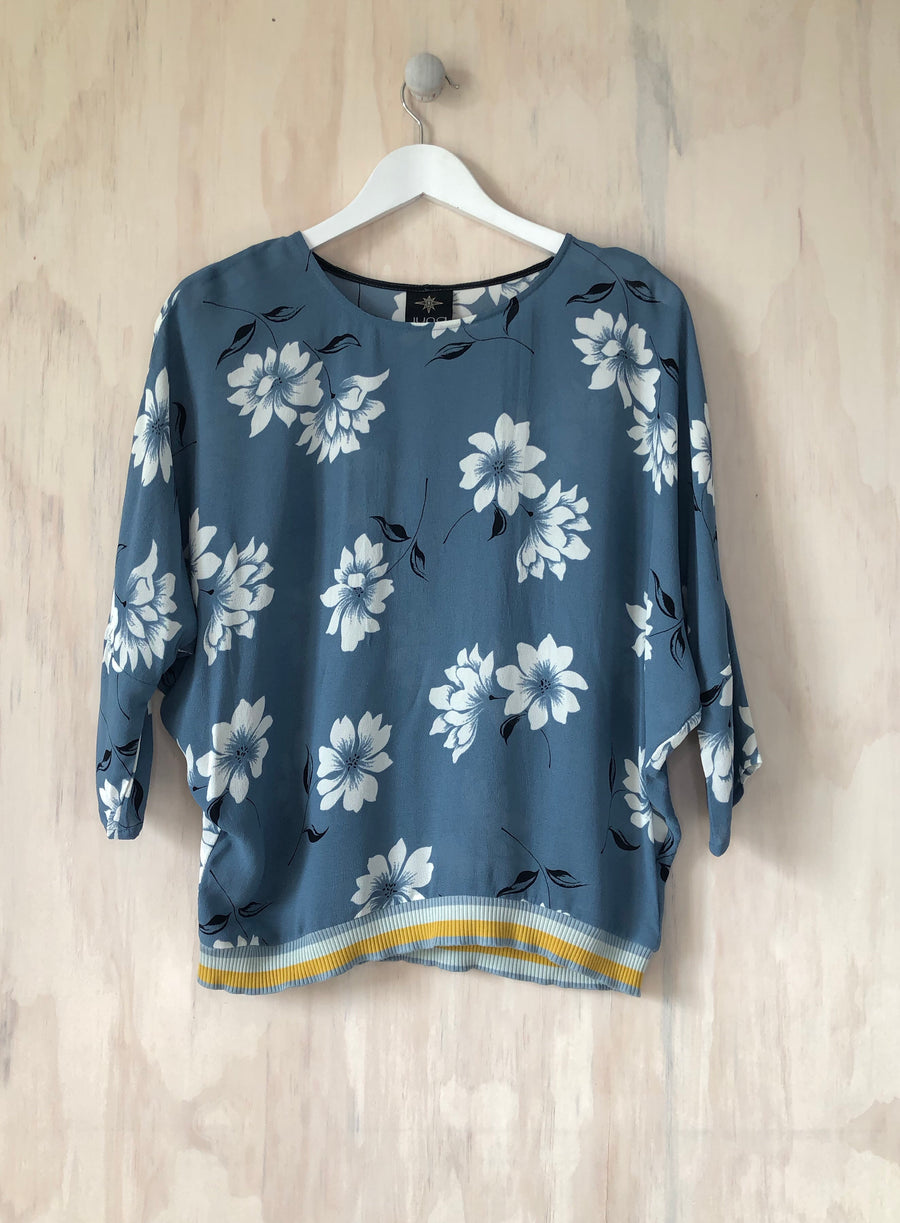 Juna Cornflower Papiilion Top