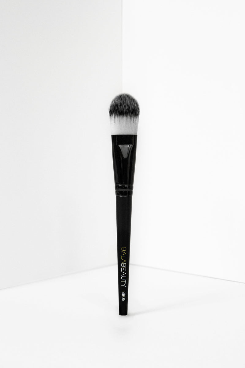 BB05 Flat Foundation Brush