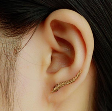 Load image into Gallery viewer, Wave Leaf Earring