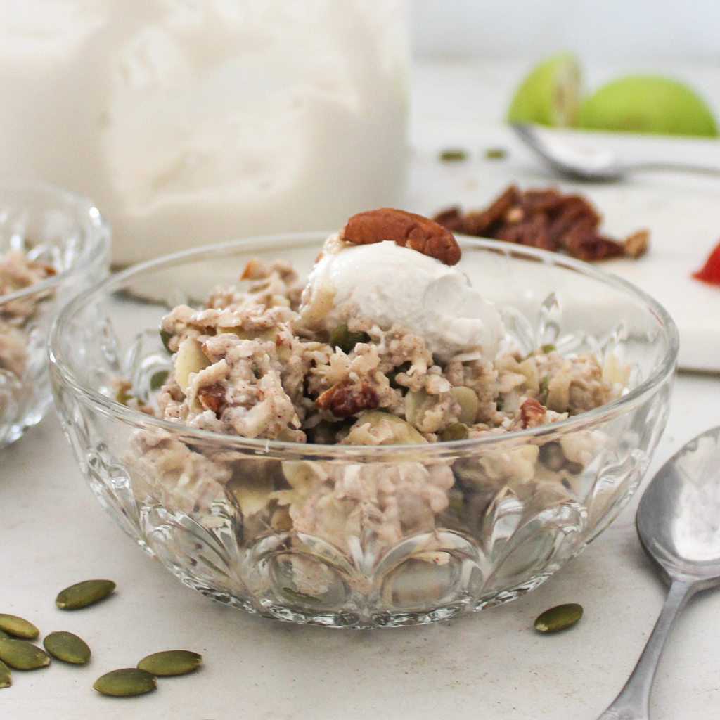 Apple & cinnamon bircher muesli (paleo & vegan)