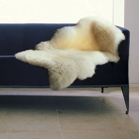 BOWRON SHEEPSKIN RUG (GoldStar) - ONE AND A HALF