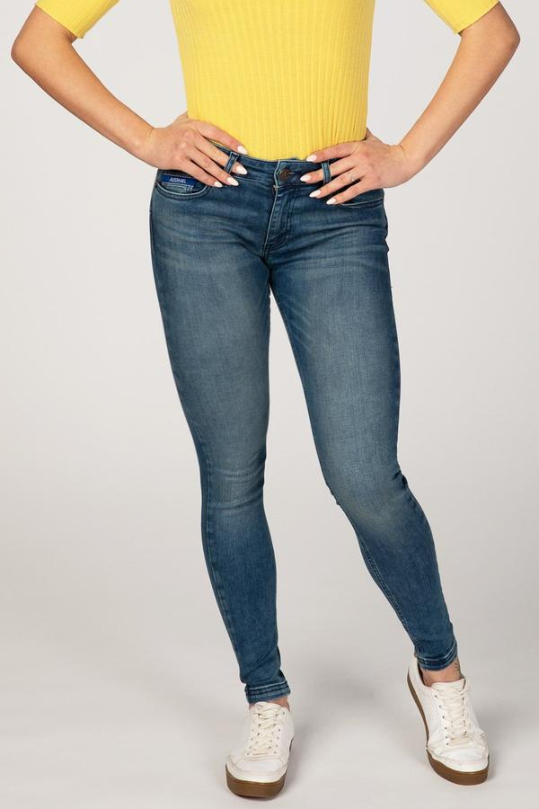BODY FIT WOMEN'S JEANS - SANDY BLUE