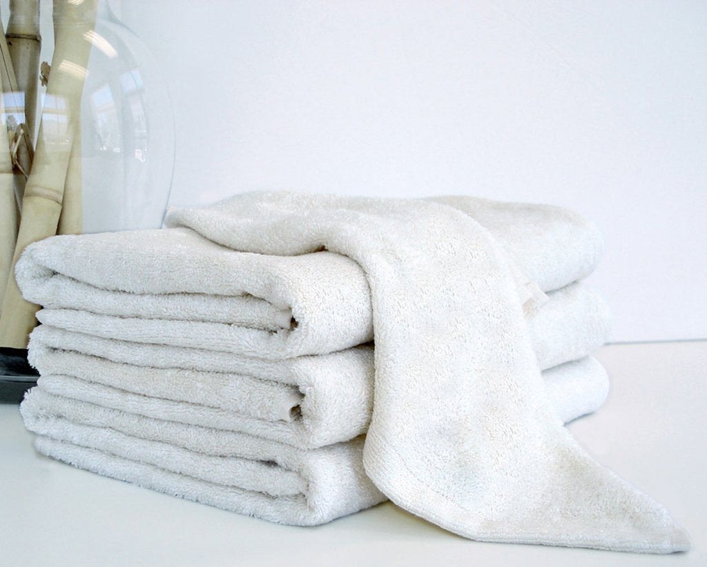 BAMBOO HAND TOWEL IN SNOW