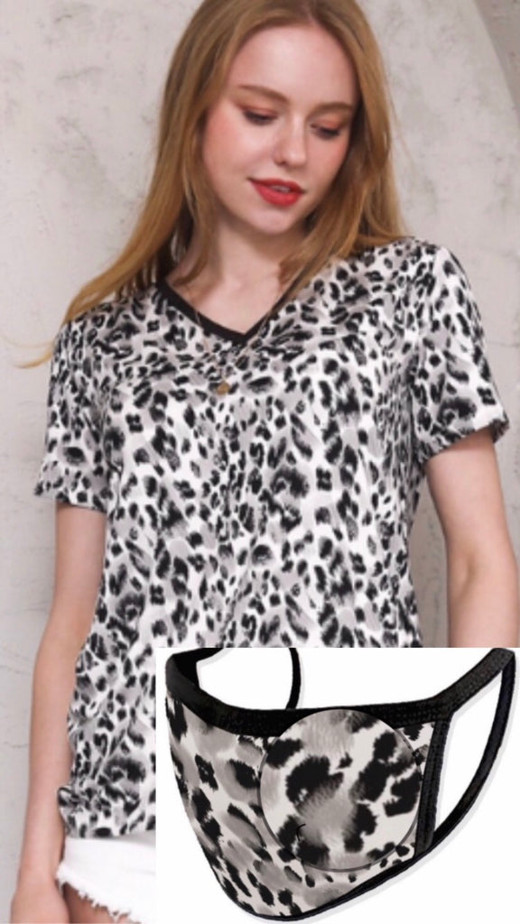 Leopard t-shirt with a matching mask