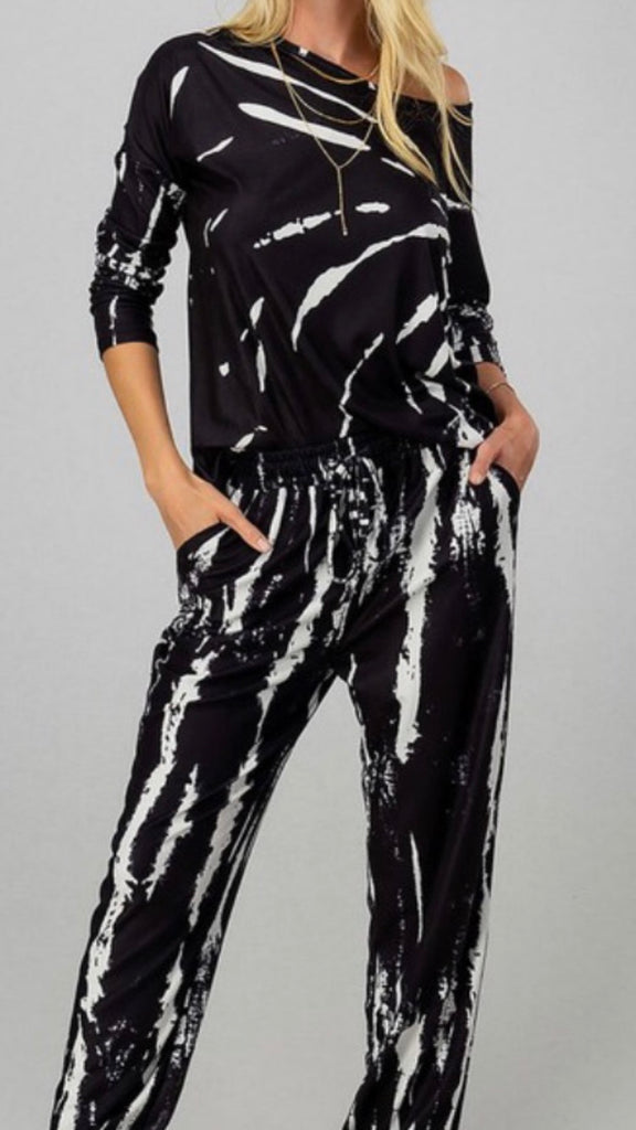 Black and white pants set