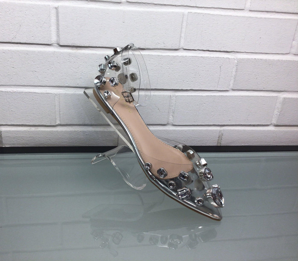 Clear pointy toe shoe
