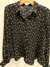 Load image into Gallery viewer, Vero Moda Spot Shirt