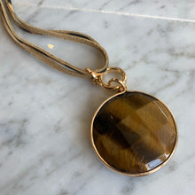 Load image into Gallery viewer, Stone Pendant Necklace