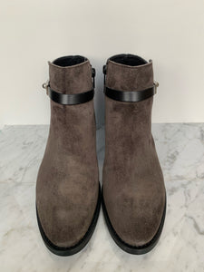 Classic leather chelsea boot in grey nubuck leather.  Stylish design with black leather strap at the ankle and inside foot zip.  By Alpe