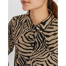 Load image into Gallery viewer, Vero Moda Graffic print shirt