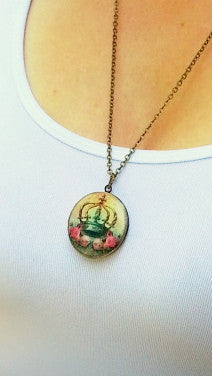 Red Flowers Vintage Theme Photo Locket - Gwen Delicious Jewelry Designs