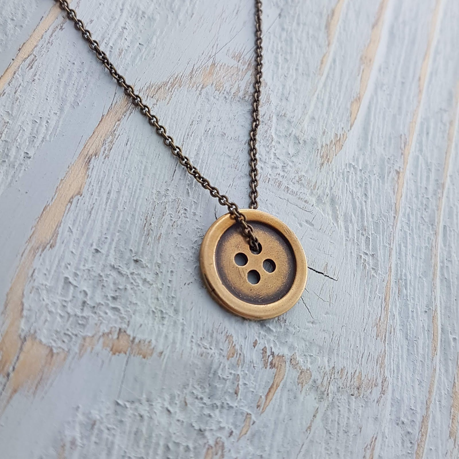 Button Necklace - Gwen Delicious Jewelry Designs