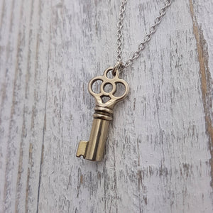Clover Key Necklace - Gwen Delicious Jewelry Designs