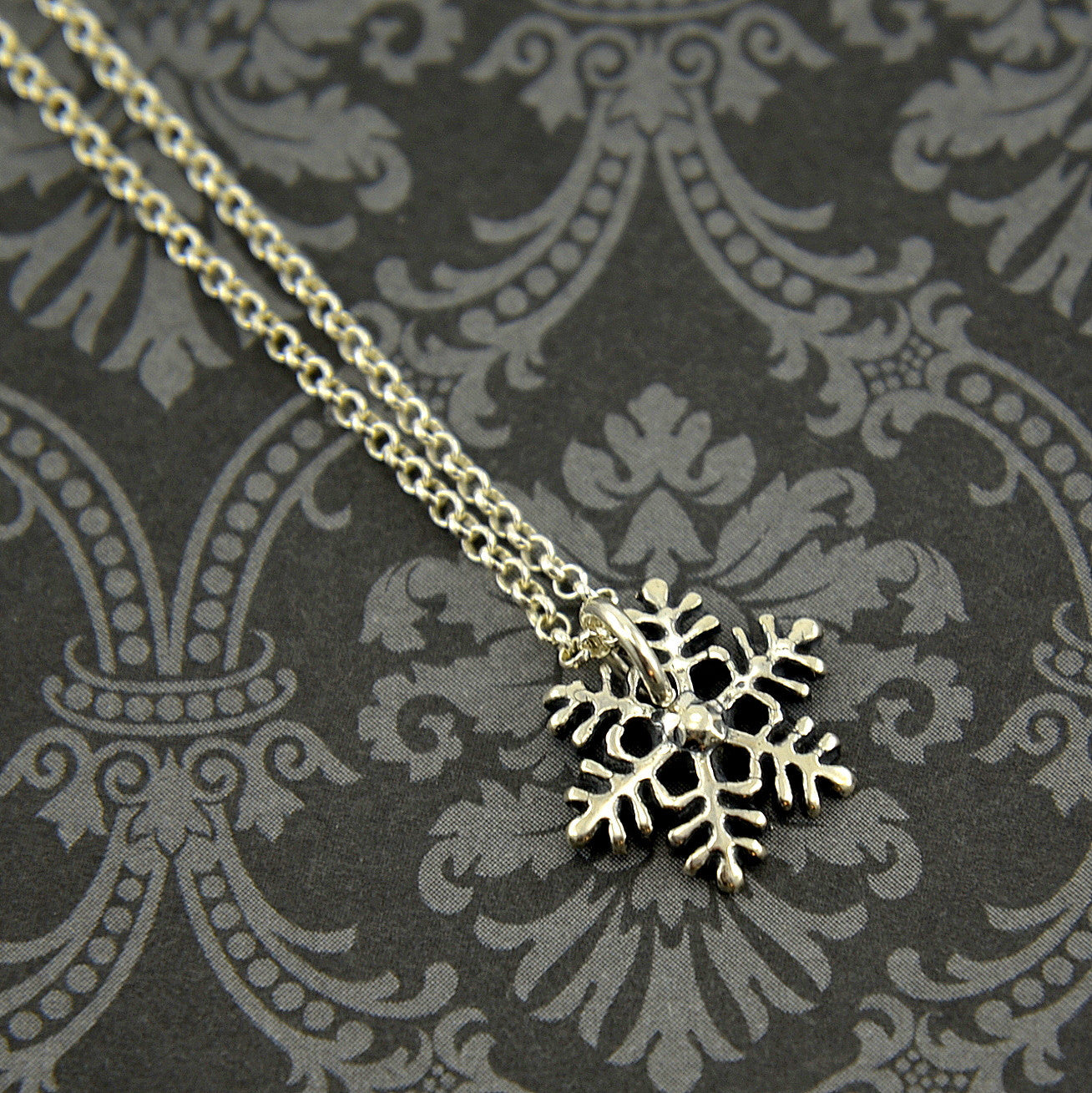 Snow Flake Necklace - Gwen Delicious Jewelry Designs