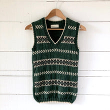 Load image into Gallery viewer, Men's Fair Isle fitted vest SMALL (green/cream - HS)