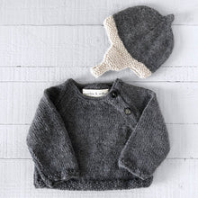 Load image into Gallery viewer, Newborn gift set (grey/cream) hat & jumper