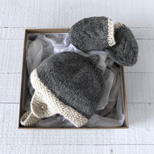 Load image into Gallery viewer, Newborn gift set (grey/cream) hat & mitts